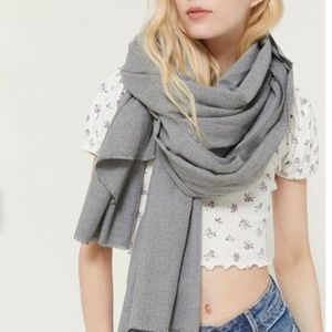 NEW Urban Outfitters Oversized Woven Blanket Scarf